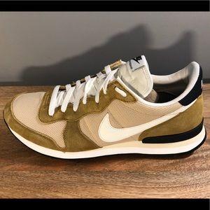 Nike Internationalist - Tan - sz 13